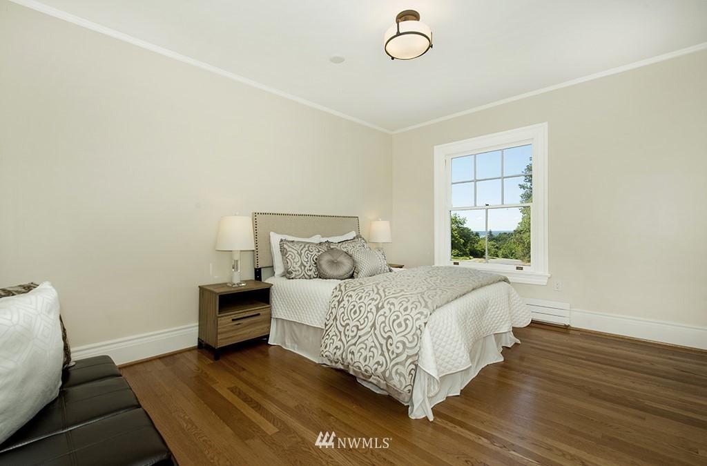 Sold Property | 4002 Washington Ave W Seattle, WA 98199 15