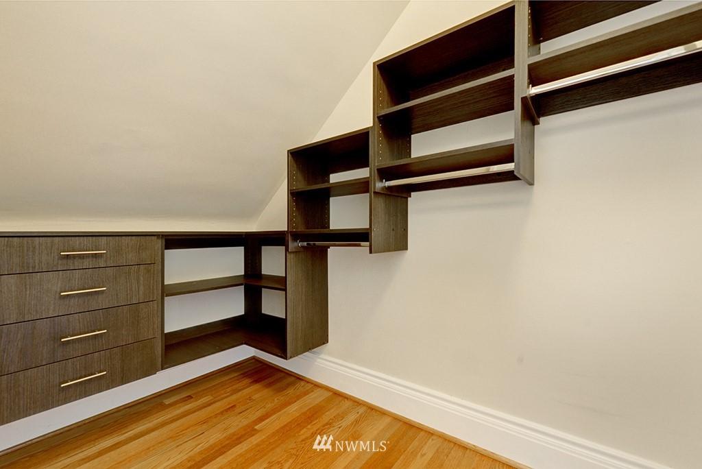 Sold Property | 4002 Washington Ave W Seattle, WA 98199 18