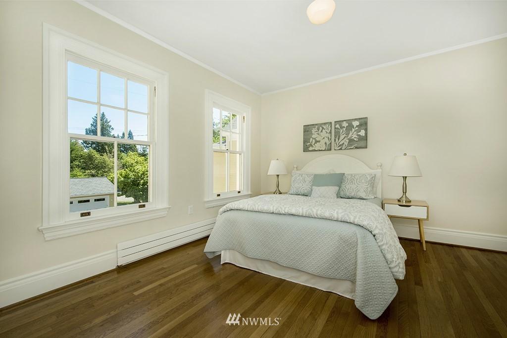 Sold Property | 4002 Washington Ave W Seattle, WA 98199 20