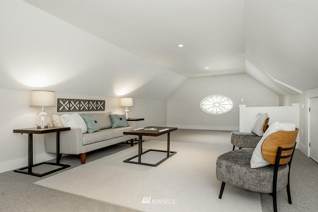 Sold Property | 4002 Washington Ave W Seattle, WA 98199 22