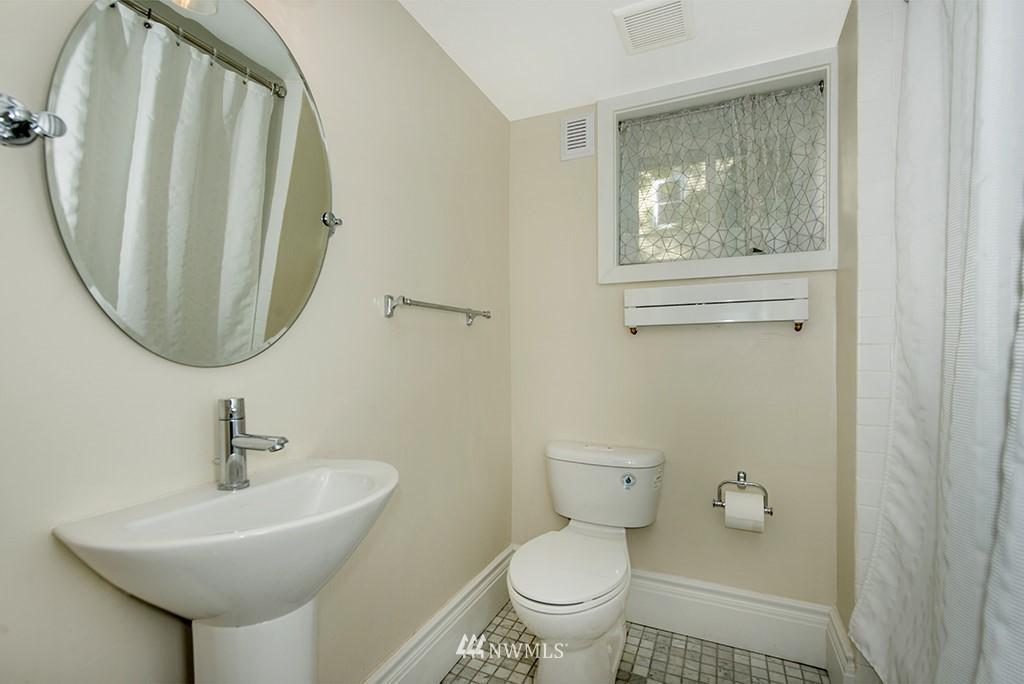 Sold Property | 4002 Washington Ave W Seattle, WA 98199 26
