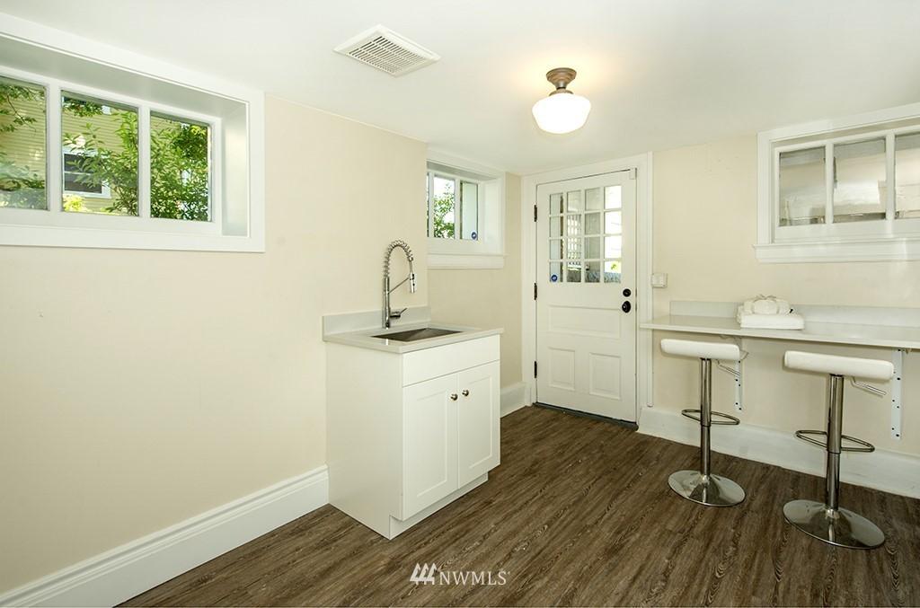 Sold Property | 4002 Washington Ave W Seattle, WA 98199 27
