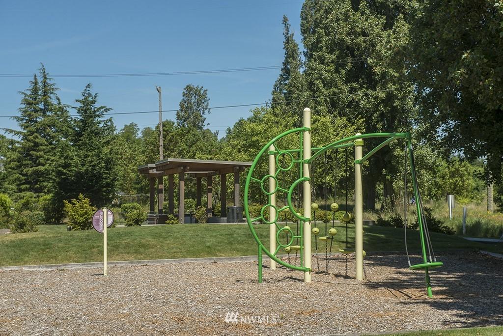 Sold Property | 4002 Washington Ave W Seattle, WA 98199 33