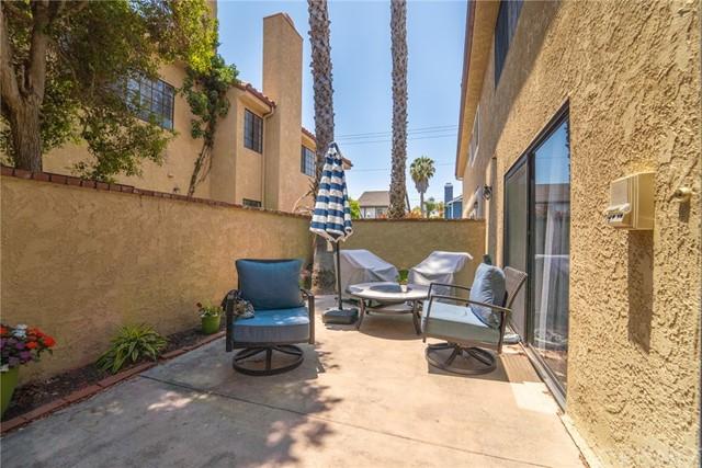 Active | 2302 Voorhees Avenue Redondo Beach, CA 90278 44