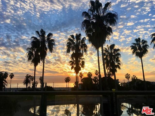 Active Under Contract | 6627 Esplanade Playa del Rey, CA 90293 1