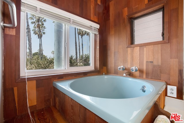 Active Under Contract | 6627 Esplanade Playa del Rey, CA 90293 9