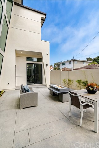 Closed | 419 S Lucia Avenue Redondo Beach, CA 90277 16