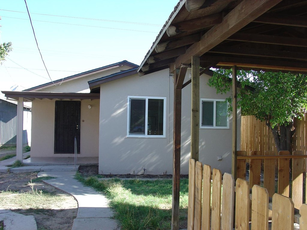 Closed | 712 J Street Los Banos, CA 93635 1