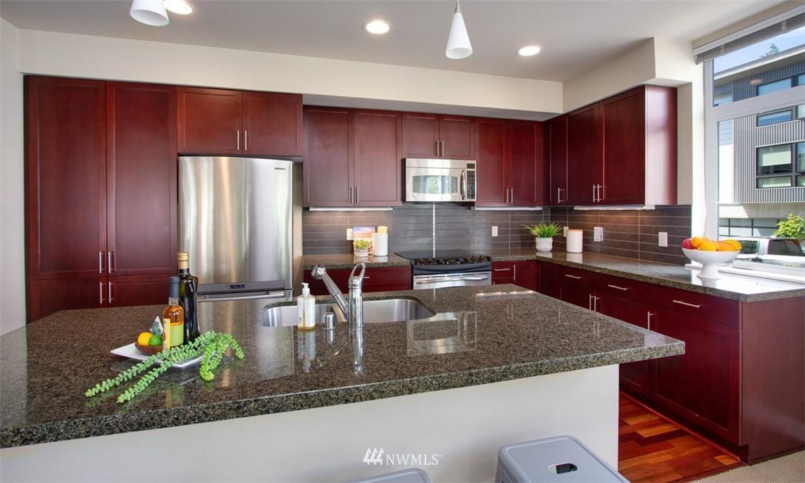 Sold Property | 180 Harbor Square Loop NE #B-222 Bainbridge Island, WA 98110 7