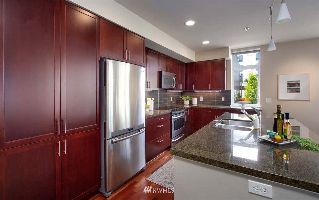 Sold Property | 180 Harbor Square Loop NE #B-222 Bainbridge Island, WA 98110 3