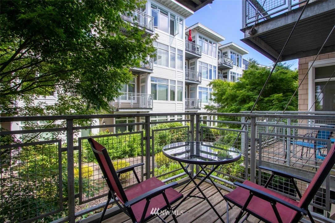Sold Property | 180 Harbor Square Loop NE #B-222 Bainbridge Island, WA 98110 10