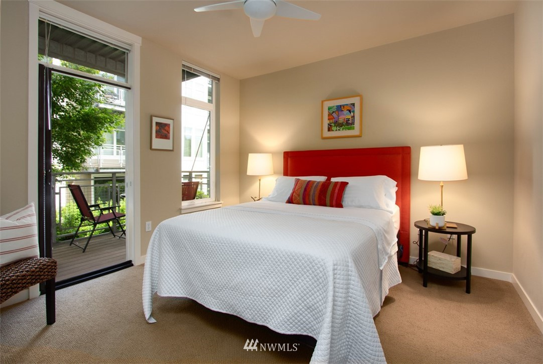 Sold Property | 180 Harbor Square Loop NE #B-222 Bainbridge Island, WA 98110 9