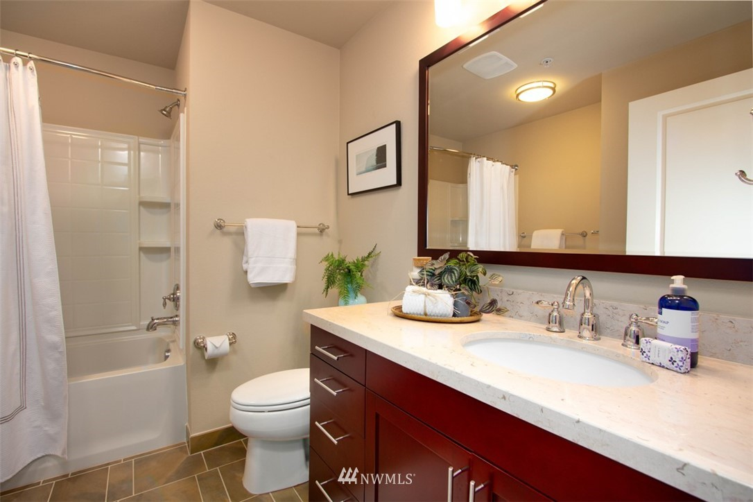 Sold Property | 180 Harbor Square Loop NE #B-222 Bainbridge Island, WA 98110 13