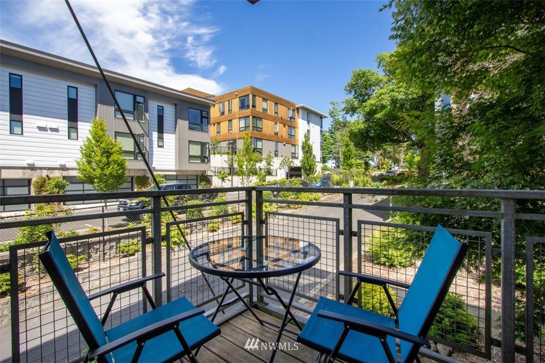 Sold Property | 180 Harbor Square Loop NE #B-222 Bainbridge Island, WA 98110 6