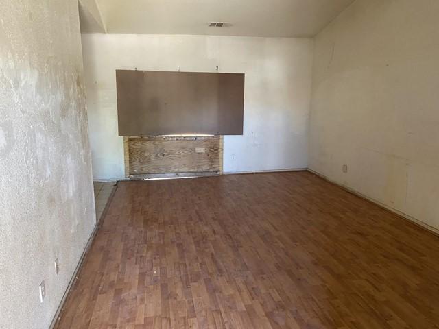 Closed   482 Winemaker Street Los Banos, CA 93635 3