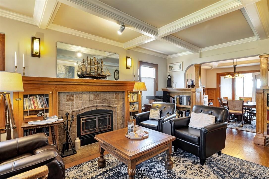 Sold Property | 621 NE 78th Street Seattle, WA 98115 5