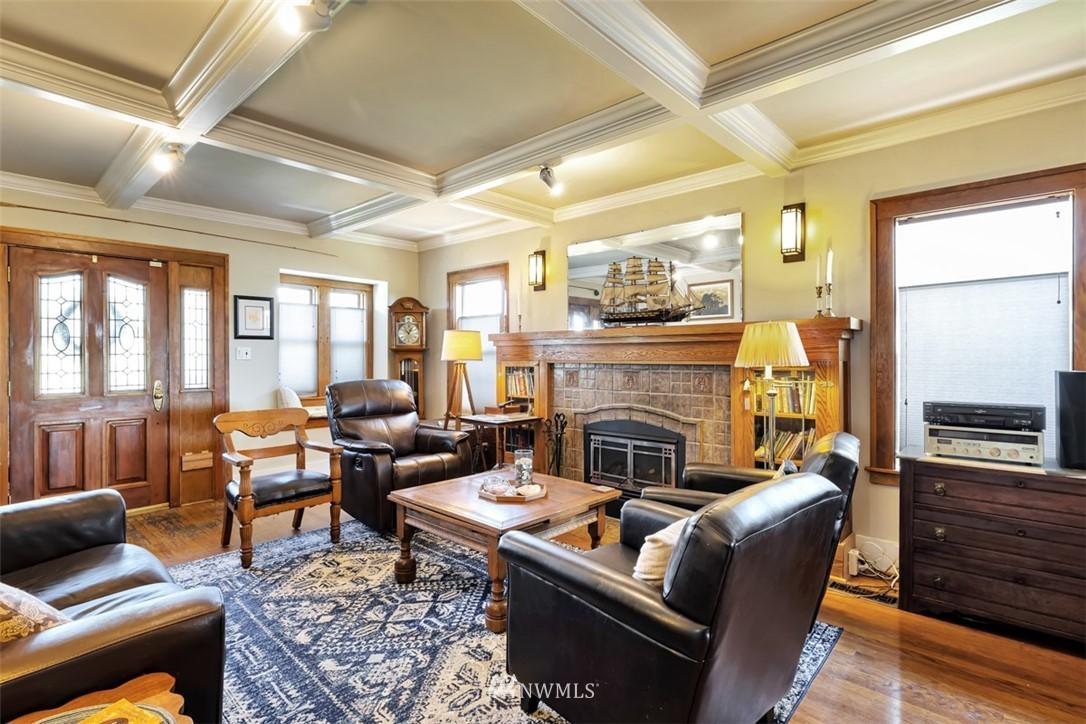 Sold Property | 621 NE 78th Street Seattle, WA 98115 3