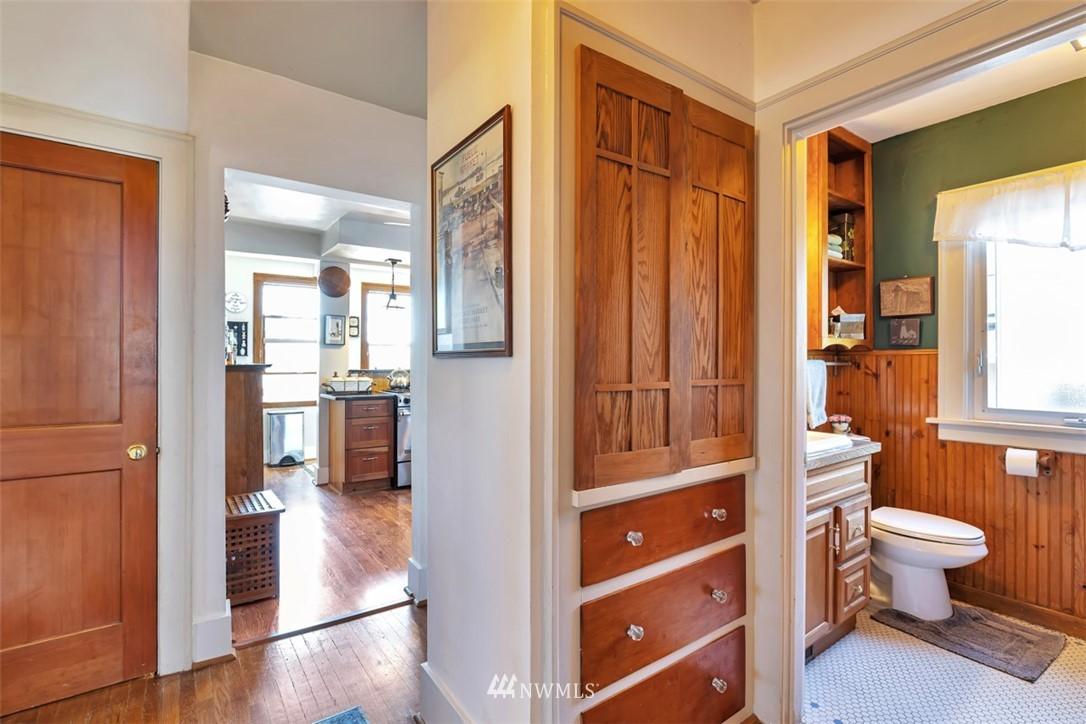 Sold Property | 621 NE 78th Street Seattle, WA 98115 19