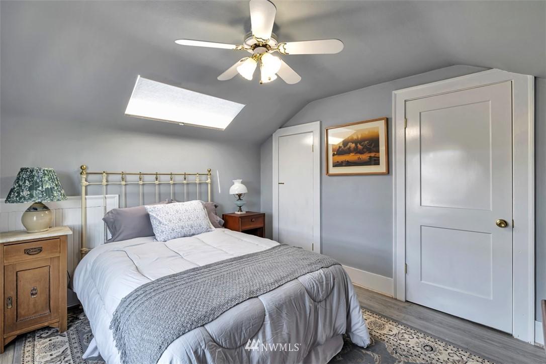 Sold Property | 621 NE 78th Street Seattle, WA 98115 21
