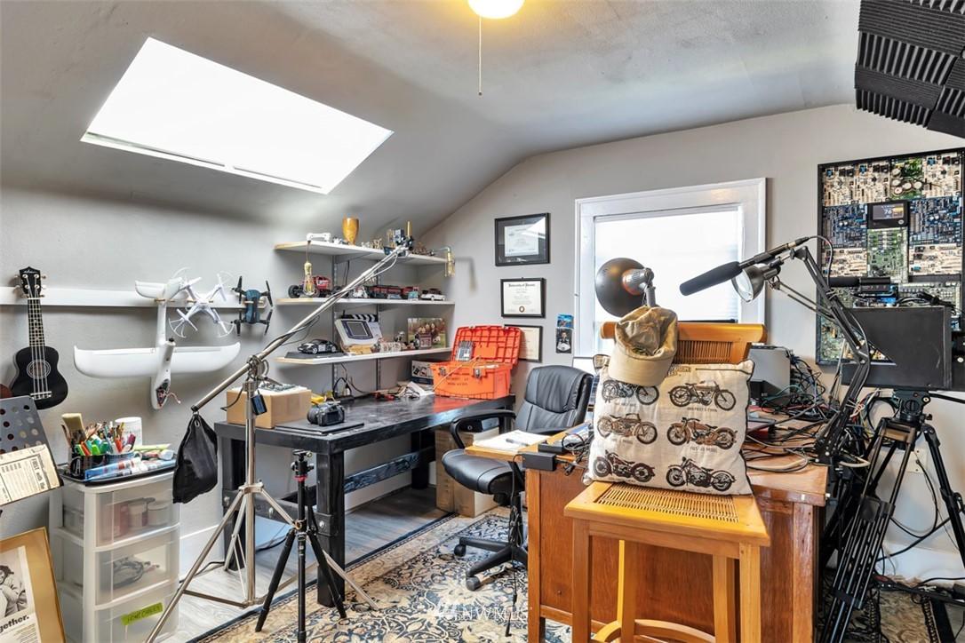 Sold Property | 621 NE 78th Street Seattle, WA 98115 24