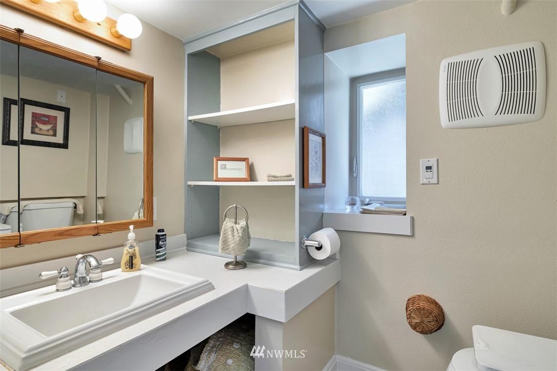 Sold Property | 621 NE 78th Street Seattle, WA 98115 30
