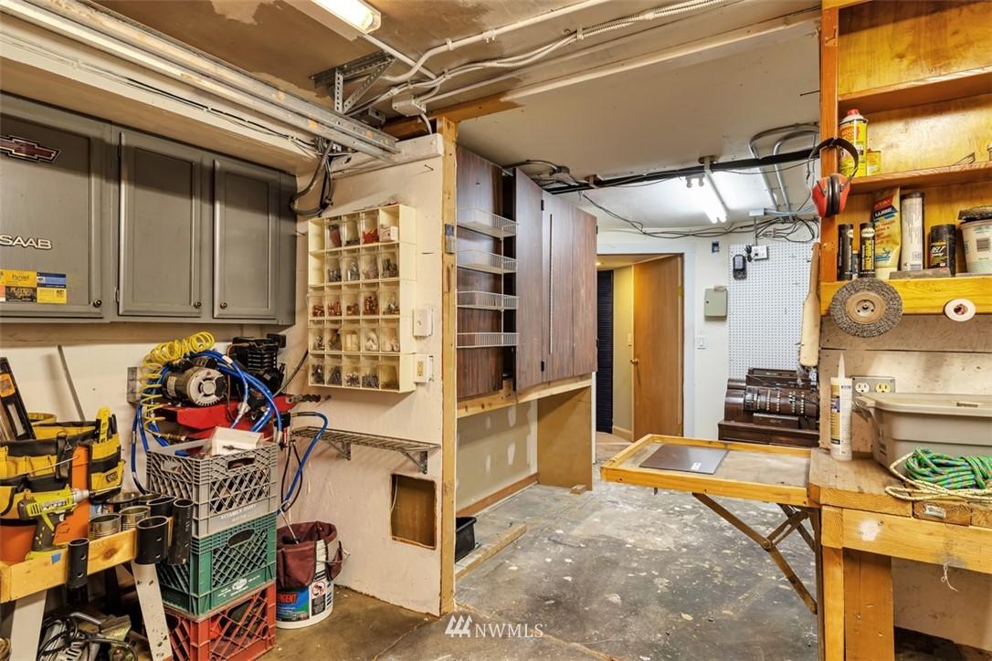 Sold Property | 621 NE 78th Street Seattle, WA 98115 31