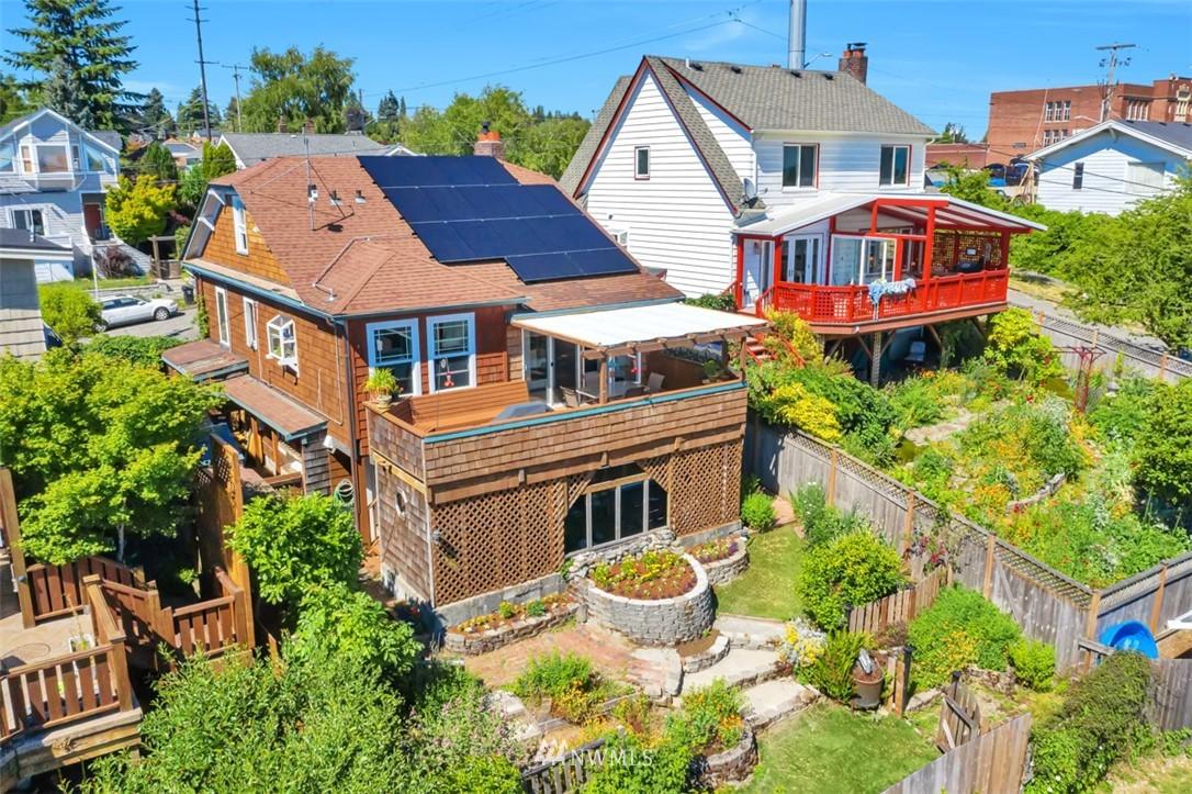 Sold Property | 621 NE 78th Street Seattle, WA 98115 34