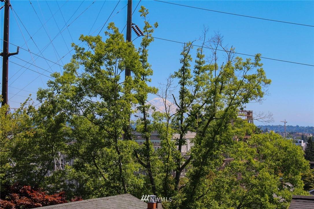 Sold Property | 621 NE 78th Street Seattle, WA 98115 16