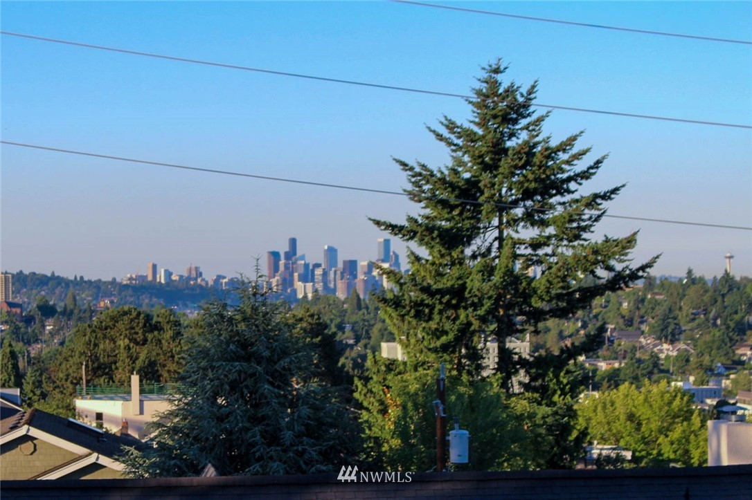 Sold Property | 621 NE 78th Street Seattle, WA 98115 14