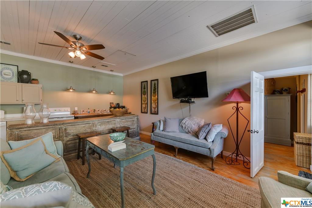 Active | 116 Idlewilde Boulevard Comfort, TX 78013 46