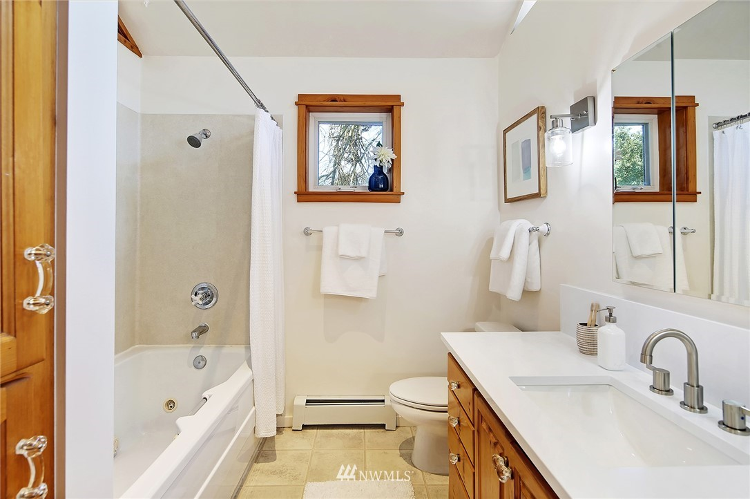 Sold Property   16207 81st Place NE Kenmore, WA 98028 15