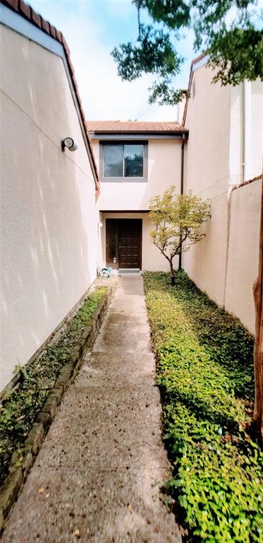 Sold Property | 9603 Glenacre Dallas, Texas 75243 2