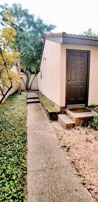 Sold Property | 9603 Glenacre Dallas, Texas 75243 3