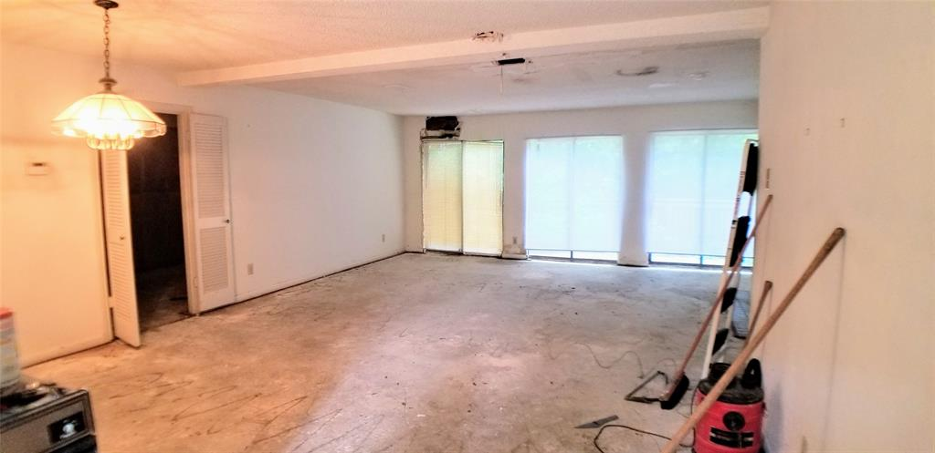 Sold Property | 9603 Glenacre Dallas, Texas 75243 4