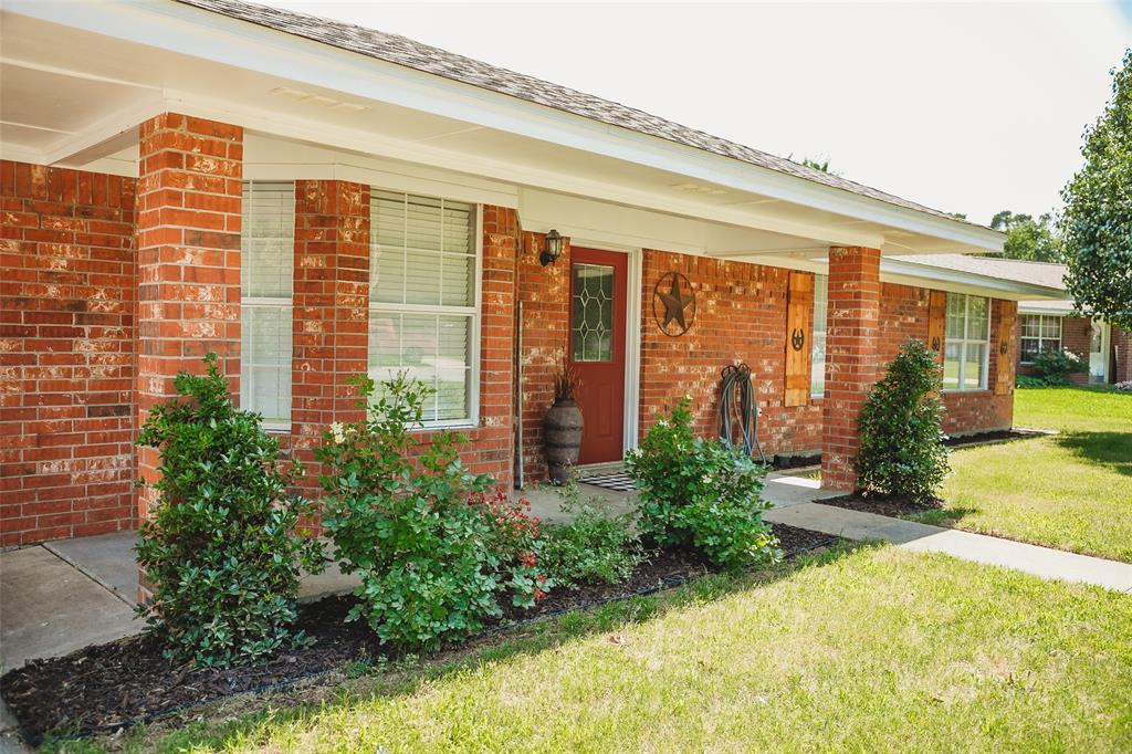 Pending | 108 Amy Court Collinsville, Texas 76233 2