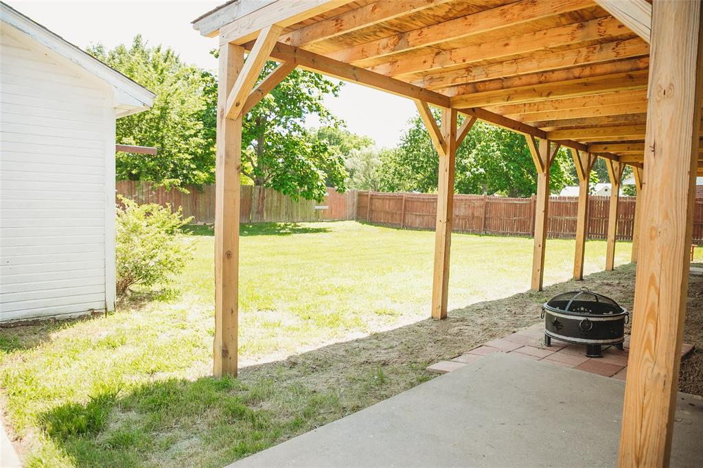 Pending | 108 Amy Court Collinsville, Texas 76233 24