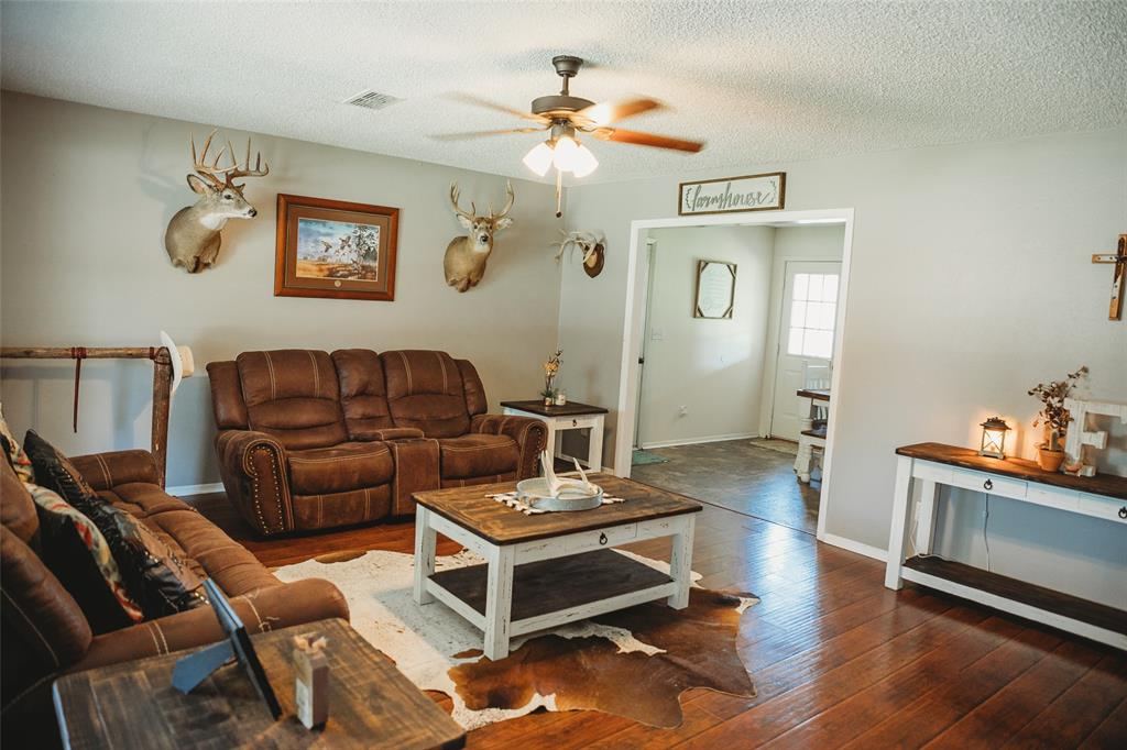 Pending | 108 Amy Court Collinsville, Texas 76233 6