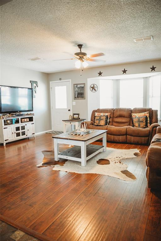 Pending | 108 Amy Court Collinsville, Texas 76233 7