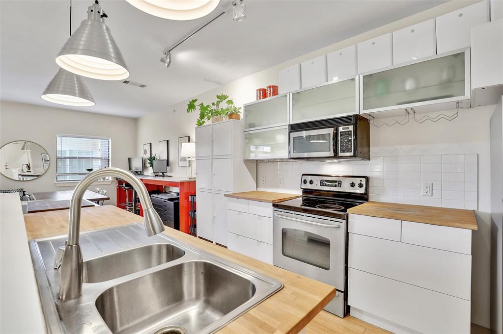 Sold Property | 1111 S Akard Street #305 Dallas, Texas 75215 3