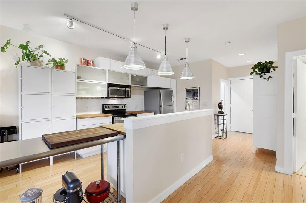 Sold Property | 1111 S Akard Street #305 Dallas, Texas 75215 8