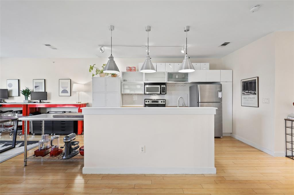 Sold Property | 1111 S Akard Street #305 Dallas, Texas 75215 9