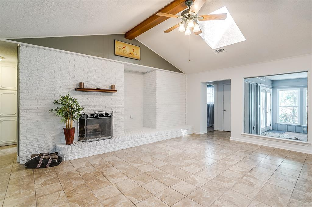 Pending | 1231 Crestwood Drive Cleburne, Texas 76033 10