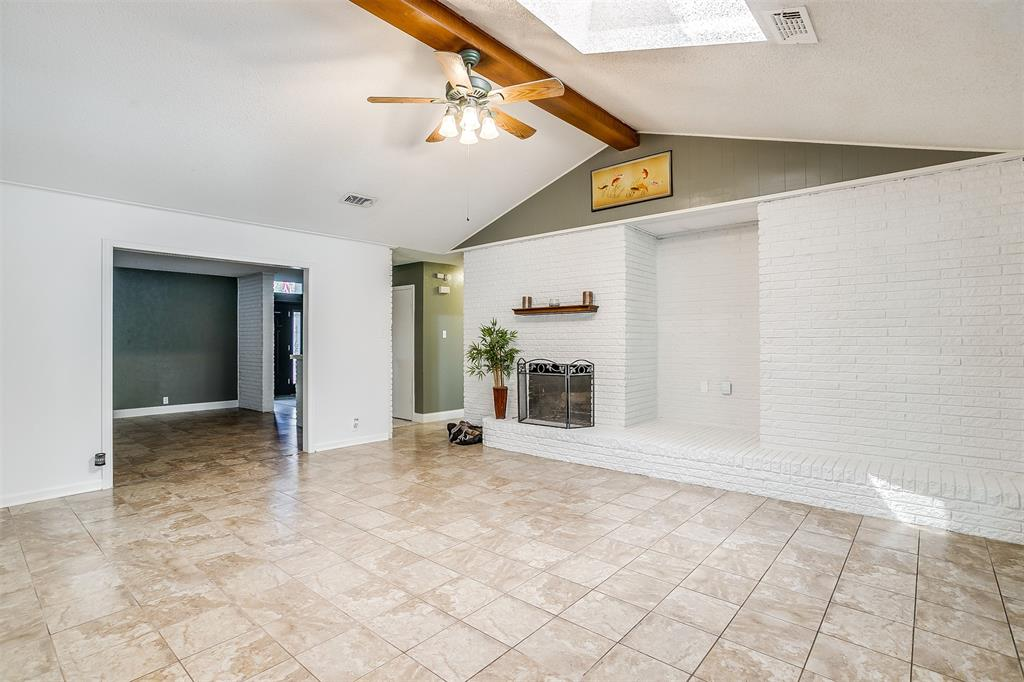 Pending | 1231 Crestwood Drive Cleburne, Texas 76033 11