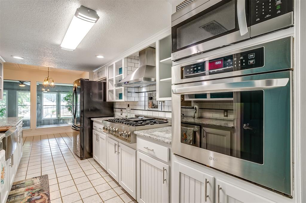 Pending | 1231 Crestwood Drive Cleburne, Texas 76033 18
