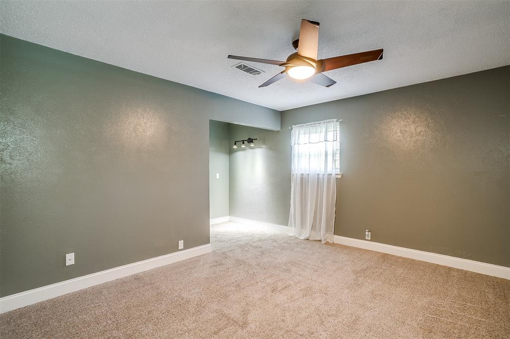 Pending | 1231 Crestwood Drive Cleburne, Texas 76033 28