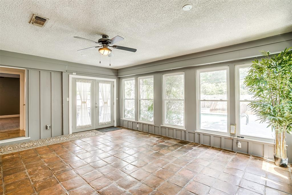 Pending | 1231 Crestwood Drive Cleburne, Texas 76033 30