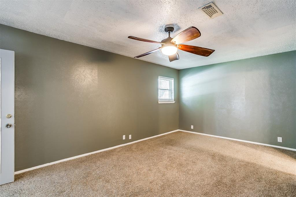 Pending | 1231 Crestwood Drive Cleburne, Texas 76033 31