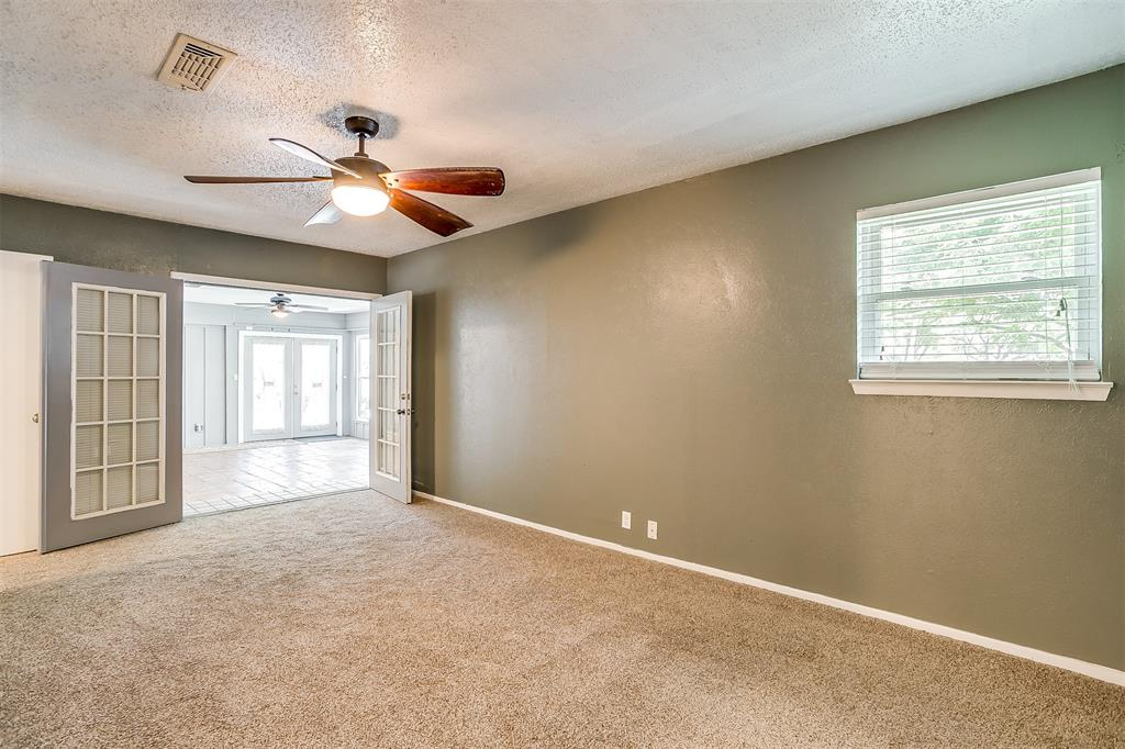 Pending | 1231 Crestwood Drive Cleburne, Texas 76033 32