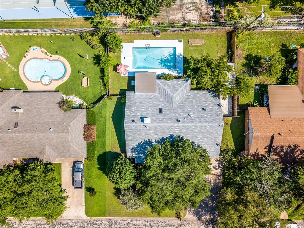 Pending | 1231 Crestwood Drive Cleburne, Texas 76033 34