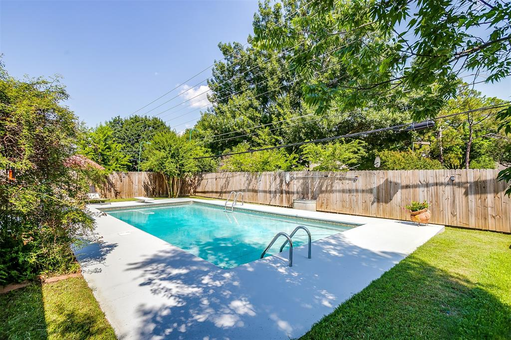 Pending | 1231 Crestwood Drive Cleburne, Texas 76033 39